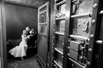 ct wedding photography_ct wedding photographer_the society room wedding_society room wedding_hartford wedding_urban wedding_bank vault photos0002